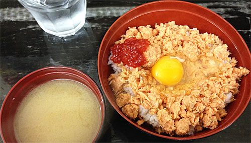 鮭の親子丼味噌汁