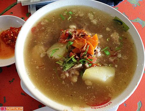 牛テールスープ
