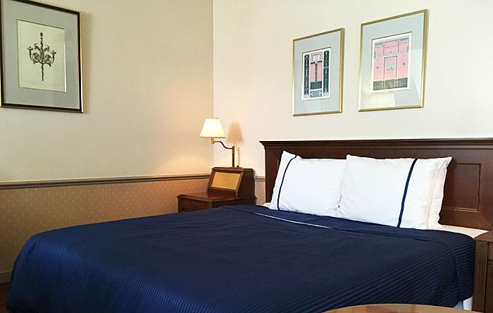 ロフト部屋 ベッド