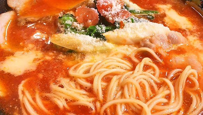 トマトラーメン 麺