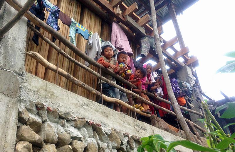 バタッド村の子供たち